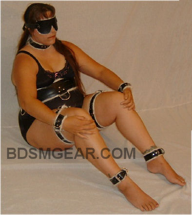leather bondage se.match